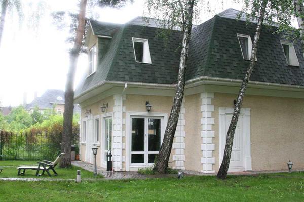 оформление зданий лепниной из полиуретана - фасадным декором из полиуретана (ППУ) Регент Декор