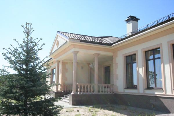 оформление дома фасадным декором