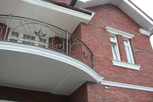 """Лепной фасадный декор в коттеджном посёлке """"праймвиль"""" - фас."""