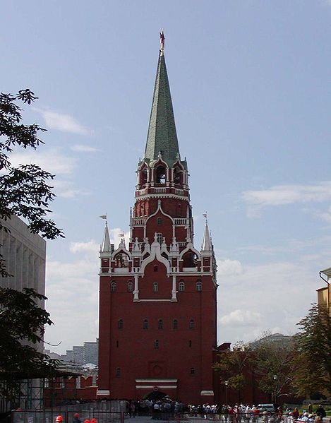 Троицкая башня — самая высокая башня Кремля