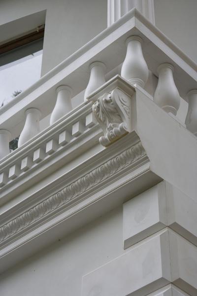 балюстрада из полиуретана на балконе
