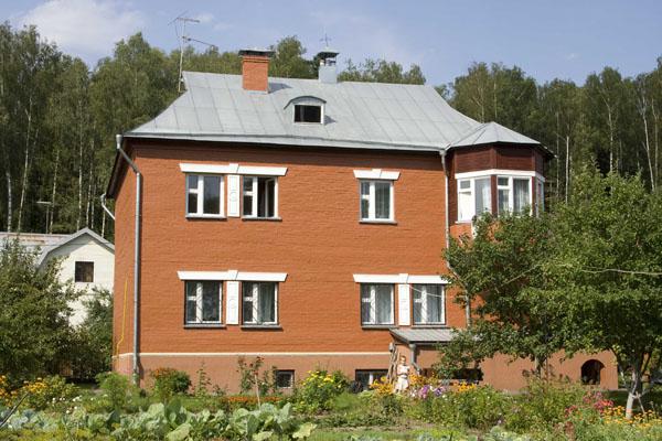 Декоративное оформление фасада дома