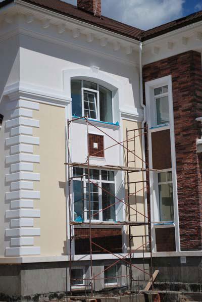 Лепнина Регент Декор на фасаде особняка