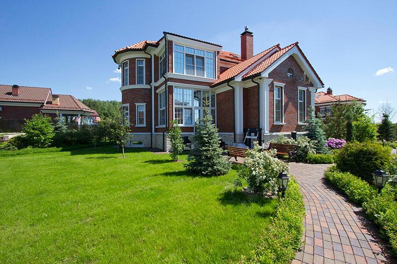 дизайн-проект дома, как сделать пилястры на фасаде дома, как оформить крышу