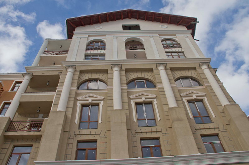 фронтоны, колонны, русты, сандрики, молдинги - фасадная лепнина из полиуретана