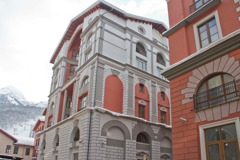 рустовка фасада гостиницы - фасад из полиуретана