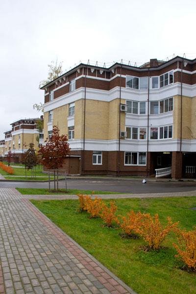 Декорирование фасада в жилом комплексе