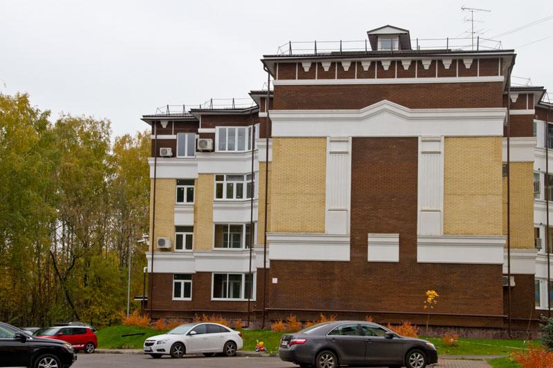 Жилой комплекс отедланный фасадным декором