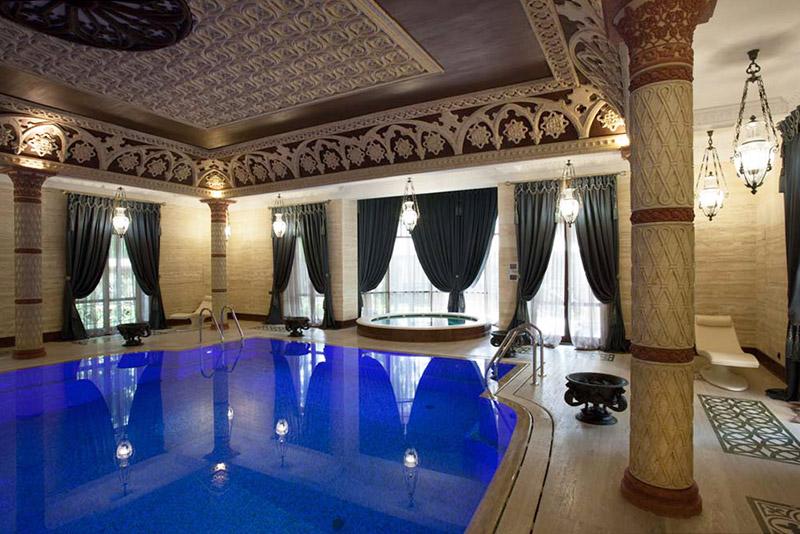 лепной декор, декоративные элементы, фотографии интерьера с бассейном, как оформить стены и потолок
