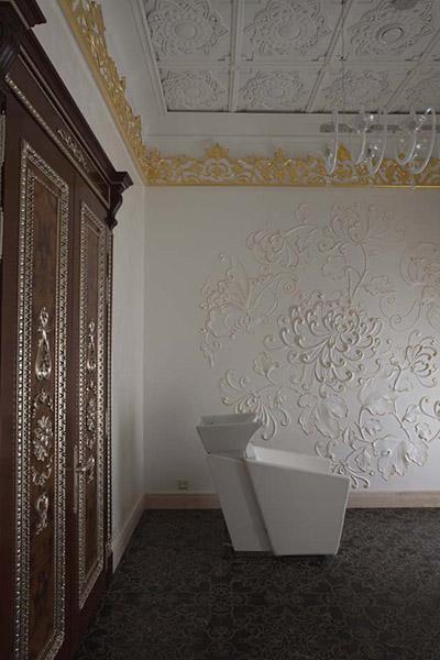 декор на стене, декор с позолотой, красивый барельеф из полиуретана, растительный орнамент, фотографии красивые стены