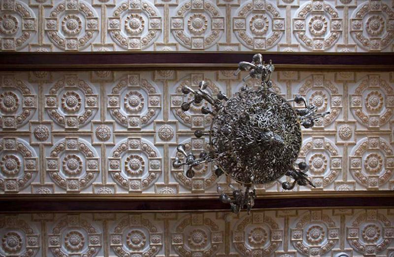 очень красивый потолок, полиуретановая лепнина под покраску, золото в интерьерном дизайне, изготовление полиуретанового декора под заказ