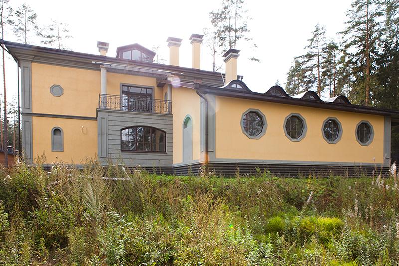 ремонт окон, как улучшить вид фасада и окон в доме, полиуретан в декоре фасада,
