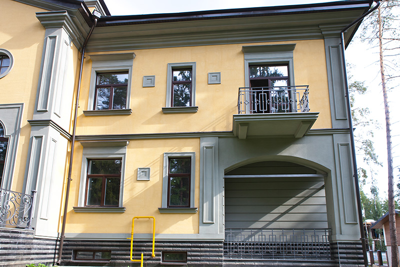 окна, балкон, межэтажный карниз из полиуретана, полиуретановая лепнина под покраску, строительство и ремонт, тюнинг фасада дома