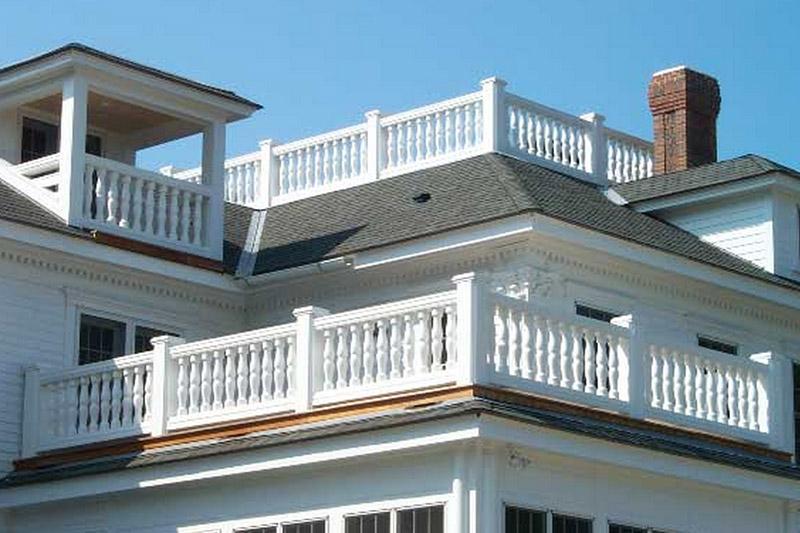балкон и лоджия в классическом стиле, веранда и терраса с лепниной из полиуретана, чем полиуретановая лепнина лучше лепнины из гипса, камня, мрамора