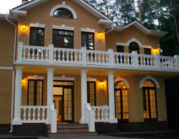 Как сделать красивый балкон в доме, фотографии балкона, оформление лепниной из полиуретана