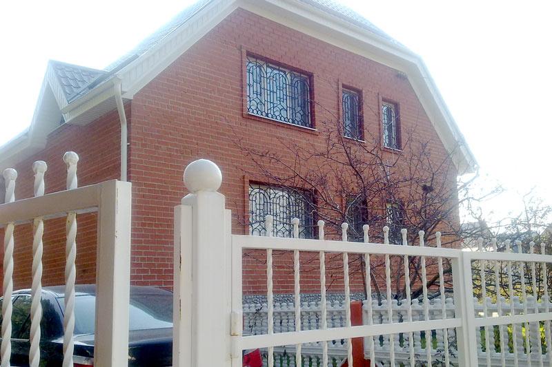 как выглядит дом без отделки фасадным декором, строительство загородного дома, оформление фасада - важный этап  строительства коттеджа
