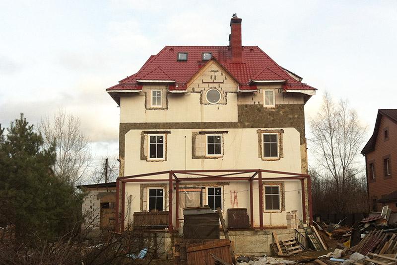 фотографии частного дома в процессе строительства и отделки, идеи для оформления загородного дома, как реализуется проект здания