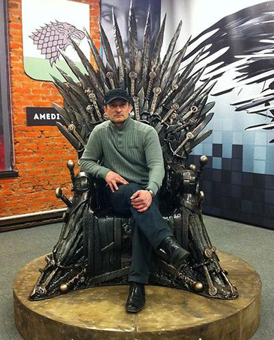 4 сезон  Game of thrones, цех уникальных изделий, рекламная кампания,  как сделан трон из мечей, макет