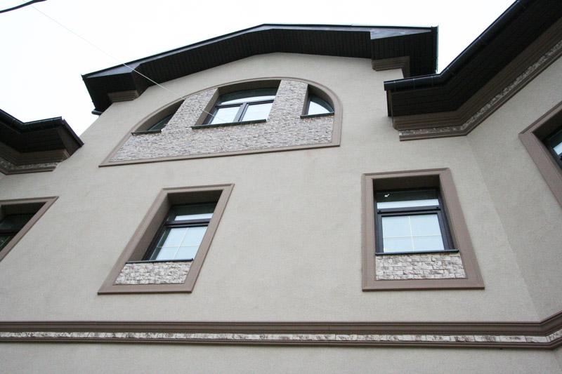 дизайн фасада в тёплых тонах